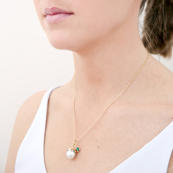 model : pendant: pearl blossom with emerald and diamond leaves: lge_0084
