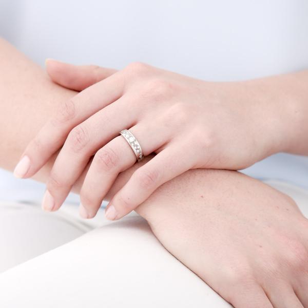model : ring: white cherry blossom ring: lge_0096